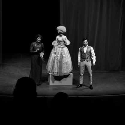 "Teatro: ""Amorosos Amorales"" de Antonio González Caballero"